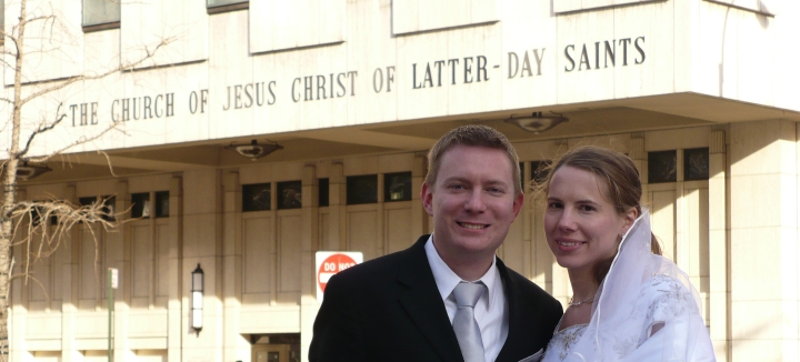 Dustin and Susan stand in front of the Manhattan New York Temple of The Church of Jesus Christ of Latter-day Saints shortly after their wedding there on 29 February 2008.