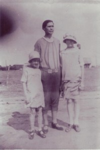 Revelee, Grandmother Lee, and Lola on Easter Sunday 1926 in Shamrock, Texas.